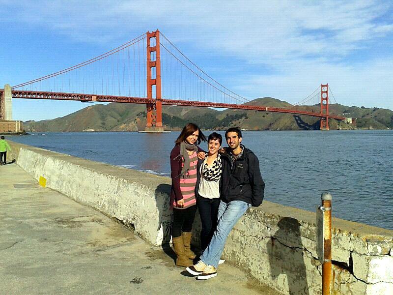 Con Nuria y Guille junto al Golden Gate. El viaje de Lu