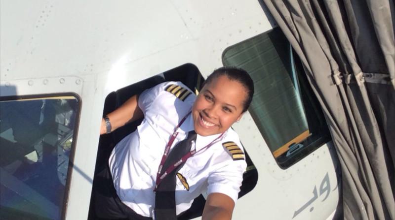 mujer piloto, Qatar Airways, Qatar, 8 de marzo